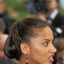 Cheveux afro : le chignon avec tresse de Noémie Lenoir