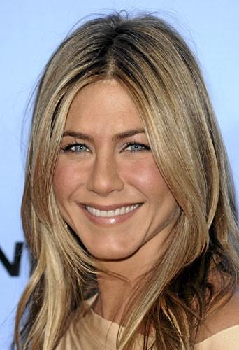 Chirurgie esthétique du visage :un teint plus fraiscomme Jennifer Aniston