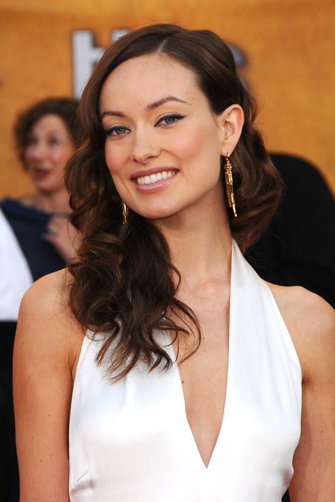 Star brune : les cheveux marron chocolat d'Olivia Wilde