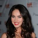 Star brune : les cheveux noirs de Megan Fox