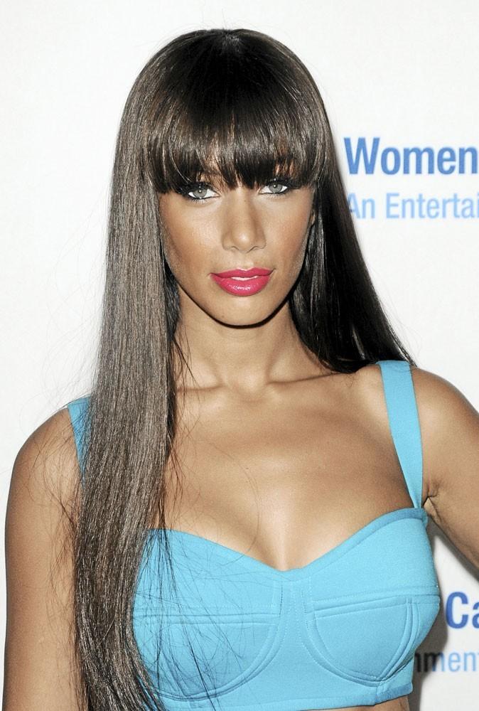 Coiffure de star printemps-été 2011 : la frange de Leona Lewis