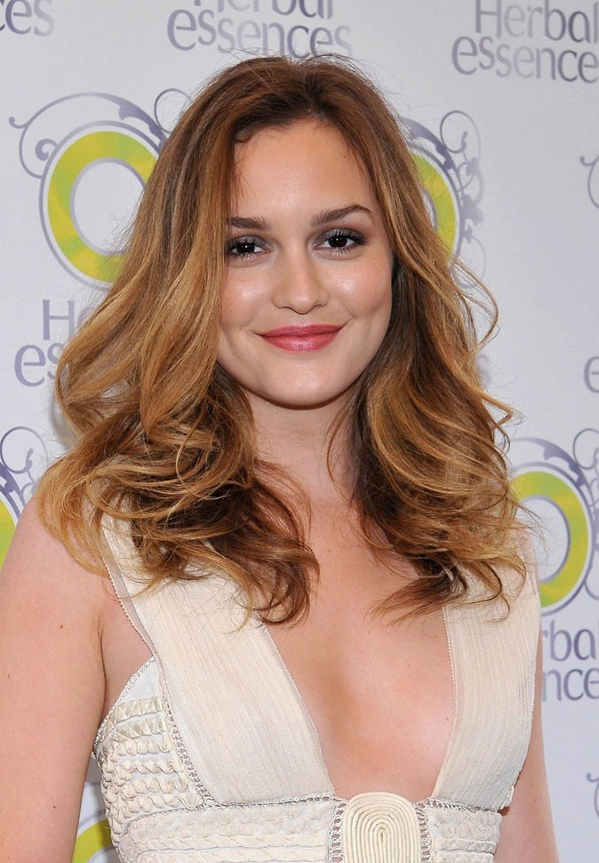 coiffure de star le cv capillaire de leighton meester. Black Bedroom Furniture Sets. Home Design Ideas