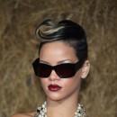 Coiffure de star : la mini vague sur cheveux courts de Rihanna en 2009