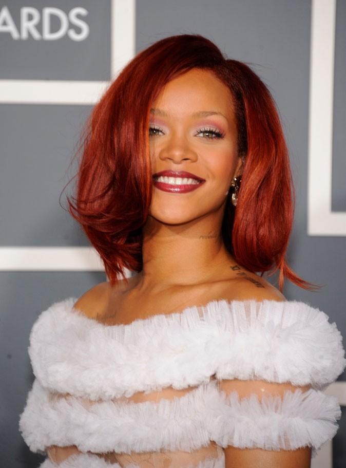 Coiffure de star : le brushing lissé sur cheveux rouges de Rihanna en 2011