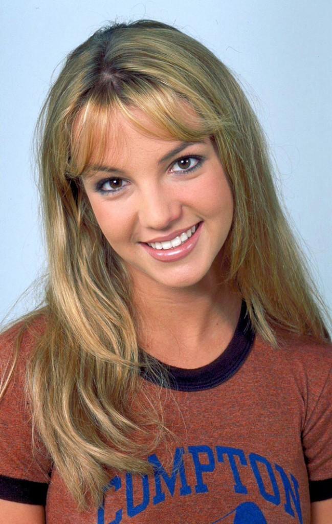 Coiffure de star : la frange blonde de Britney Spears en 1999