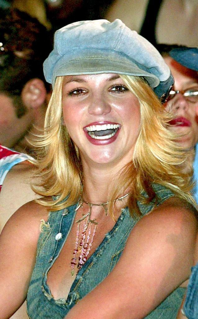 Coiffure de star : le brushing Drôles de Dames de Britney Spears en 2002