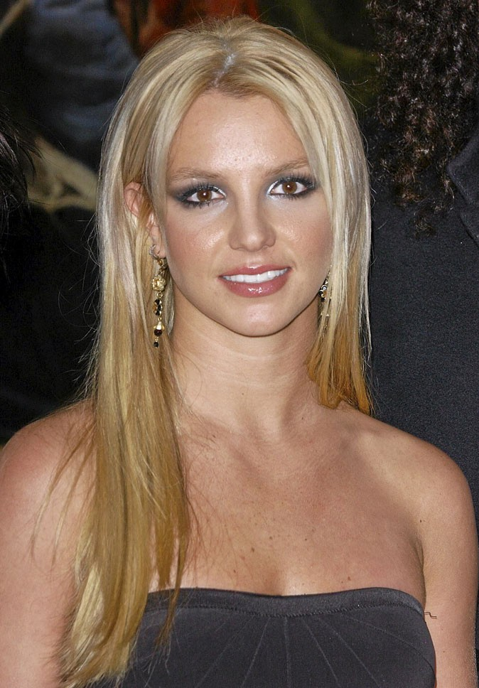 Coiffure de star : les cheveux longs lissés de Britney Spears en 2007
