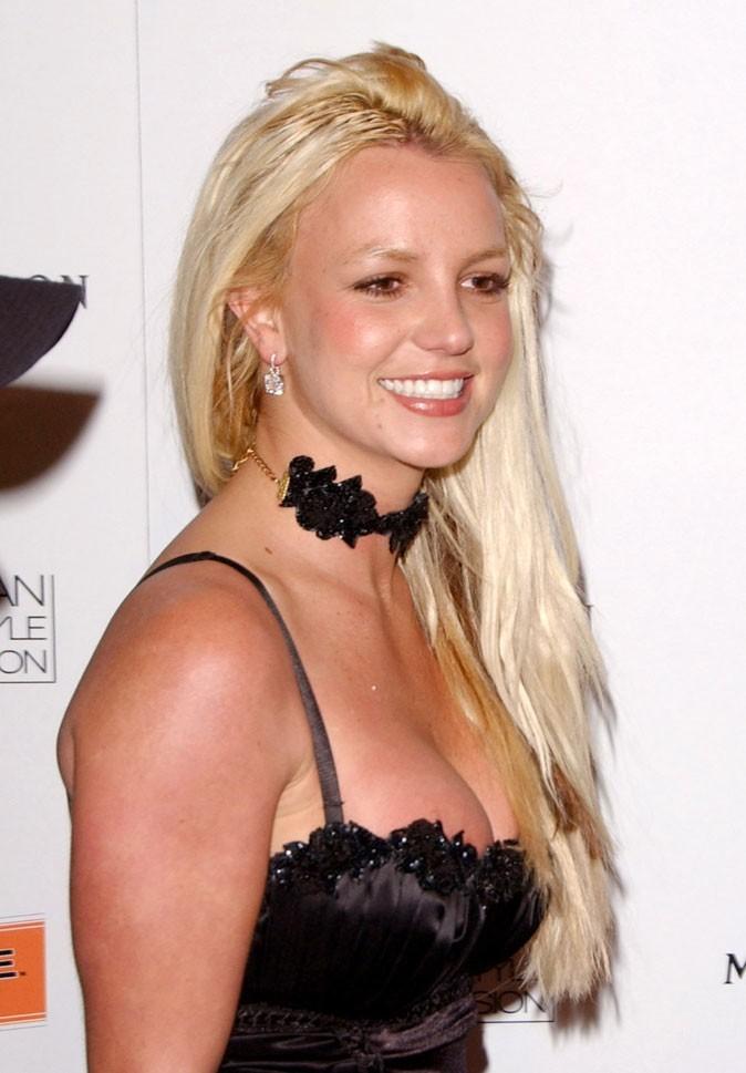 Coiffure de star : les extensions cheveux de Britney Spears en 2007