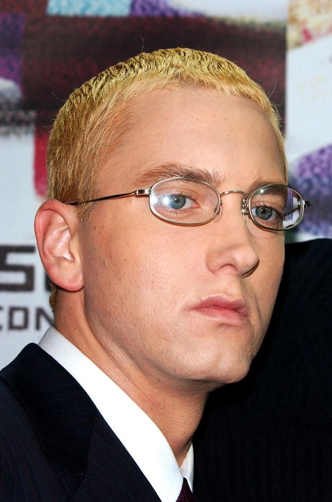 Coiffure de star : les cheveux blond décoloré d'Eminem