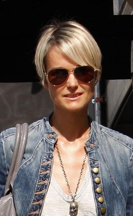 Coiffure De Star : Rétrospective Des Coupes De Cheveux De Laeticia Hallyday (Réactualisé)