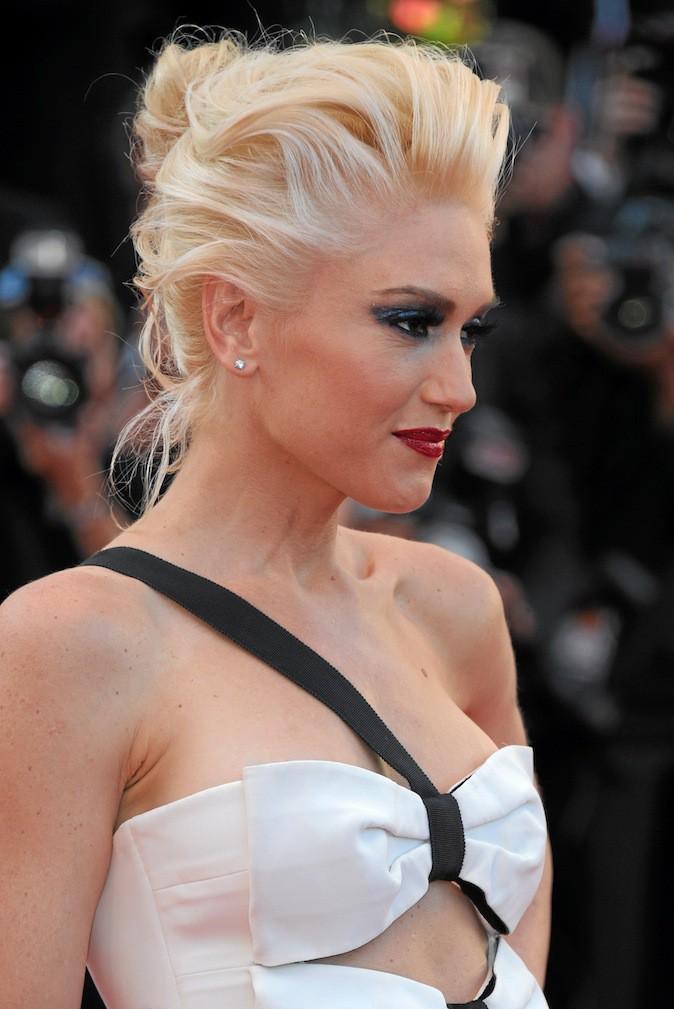 Faites-vous le chignon froissé de Gwen Stefani !
