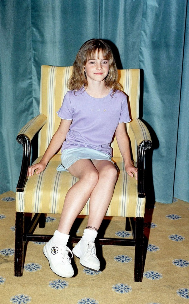 La frange d'Emma Watson en Août 2000 !