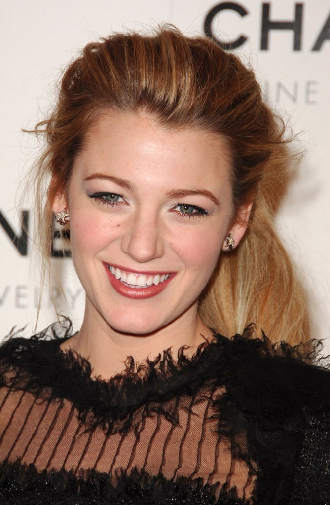 La queue de cheval coque de Blake Lively en Janvier 2008 !
