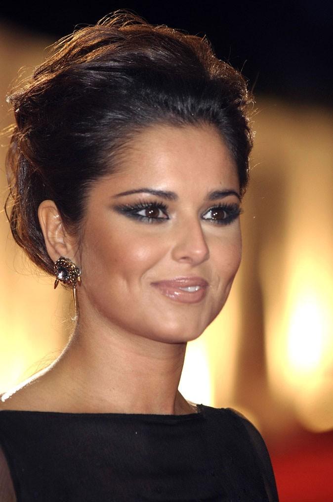 Cheryl Cole en Février 2011 : un chignon gonflé et des yeux charbonneux !