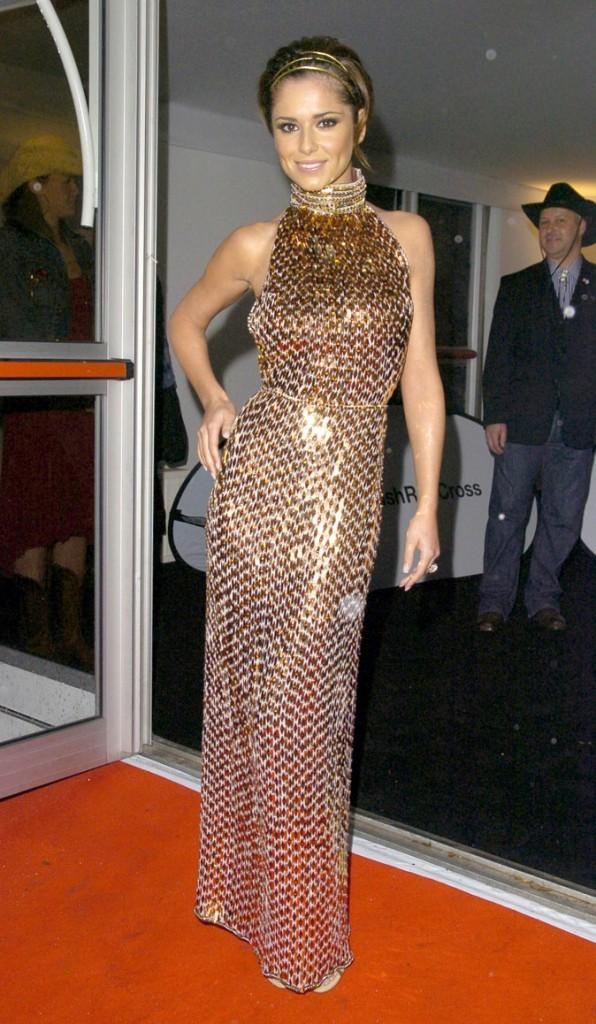 Coiffure de Cheryl Cole en Novembre 2007 : un headband sensuel !