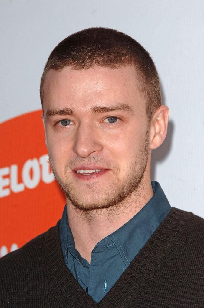 Coiffure de Justin Timberlake en 2006 : passage par la boule à zéro !