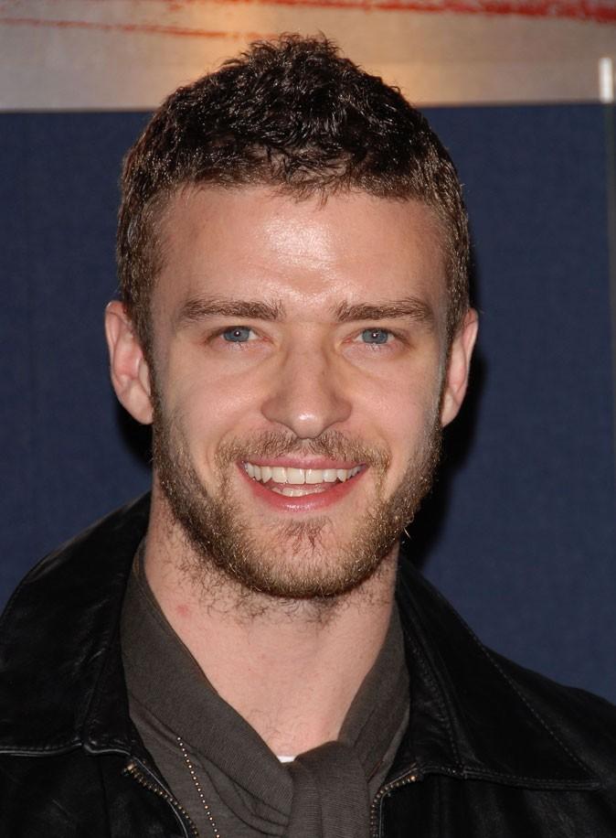 Coiffure de Justin Timberlake en 2007 : tente la crête, puis abandonne !