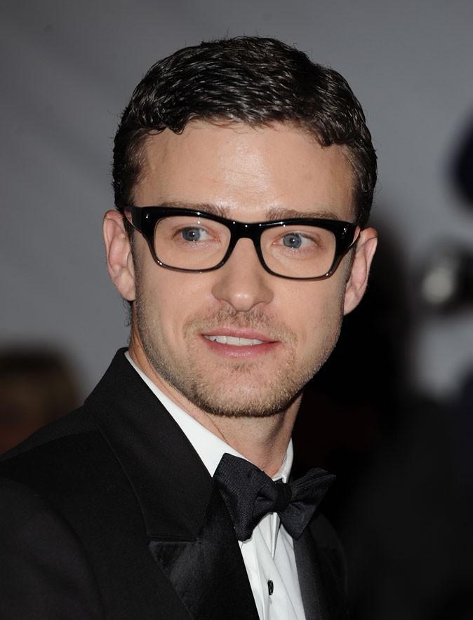 Coiffure de Justin Timberlake en 2009 : il croise le chemin du wet look !