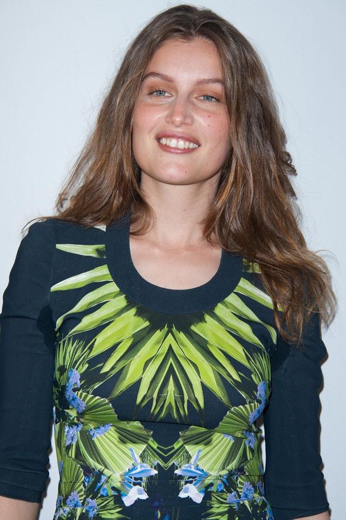 Coiffure de Laetitia Casta en 2011 : des cheveux longs, longs, longs...