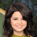 Coiffure de Selena Gomez en octobre 2008 : un carré wavy