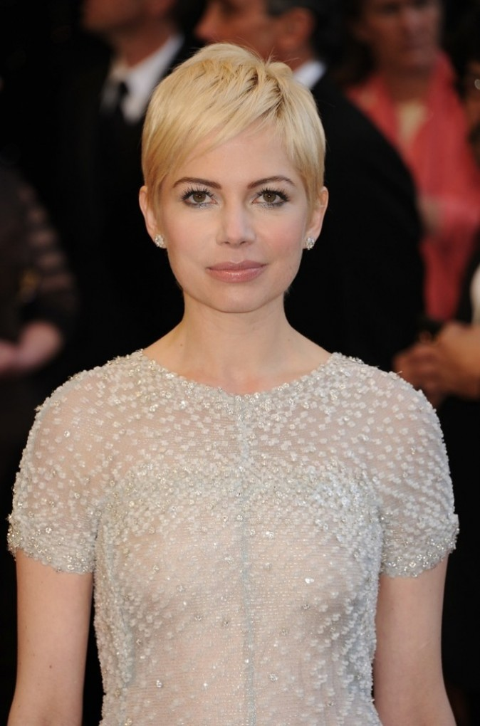 Michelle Williams et sa coupe courte rétro