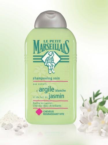 Le shampooing soin aux extraits d'argile blanche et de lait de jasmin Le Petit Marseillais, 2.90 €.