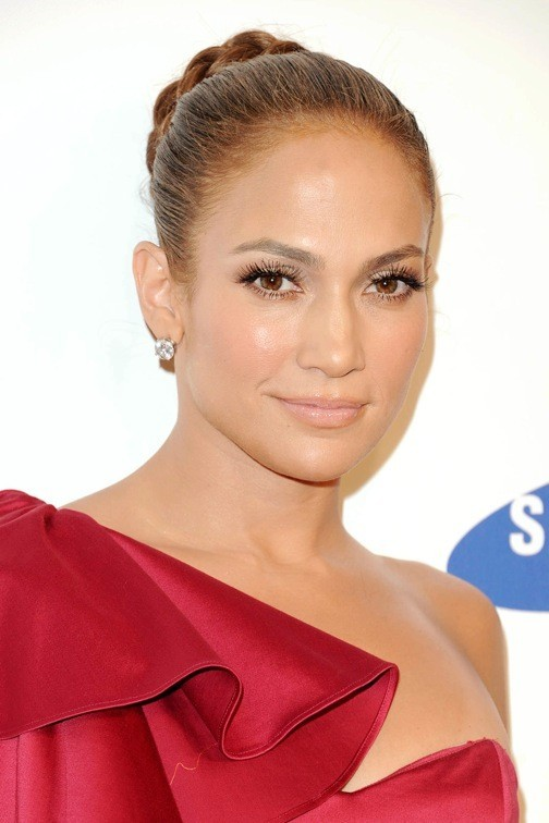 Jennifer Lopez et sa tresse macaron