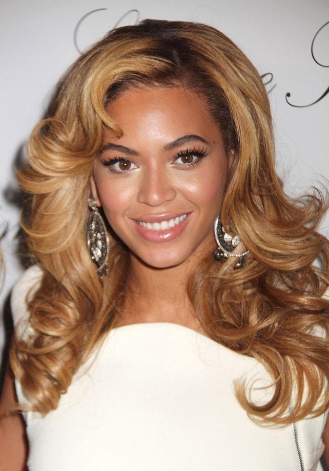 Le brushing rétro de Beyoncé en Novembre 2010 !
