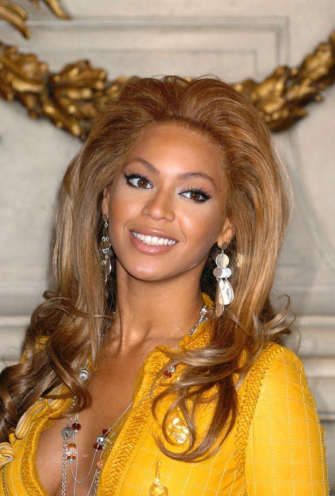 """Le retour du brushing """"Dallas"""" de Beyoncé en Novembre 2004 !"""