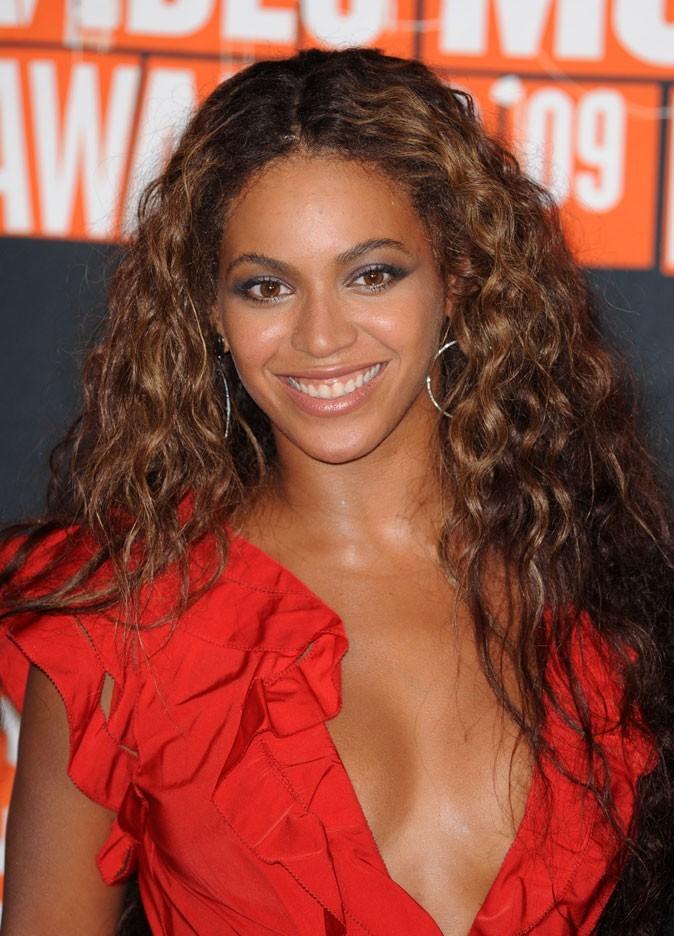 Les cheveux ondulés de Beyoncé en Septembre 2009 !