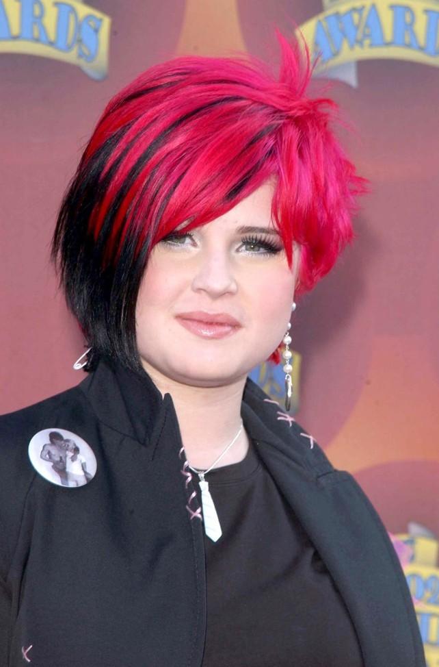Juin 2002 : Kelly Osbourne et ses cheveux bicolores