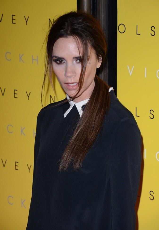 Victoria Beckham, un coiffé décoiffé en parfaite association avec son look!