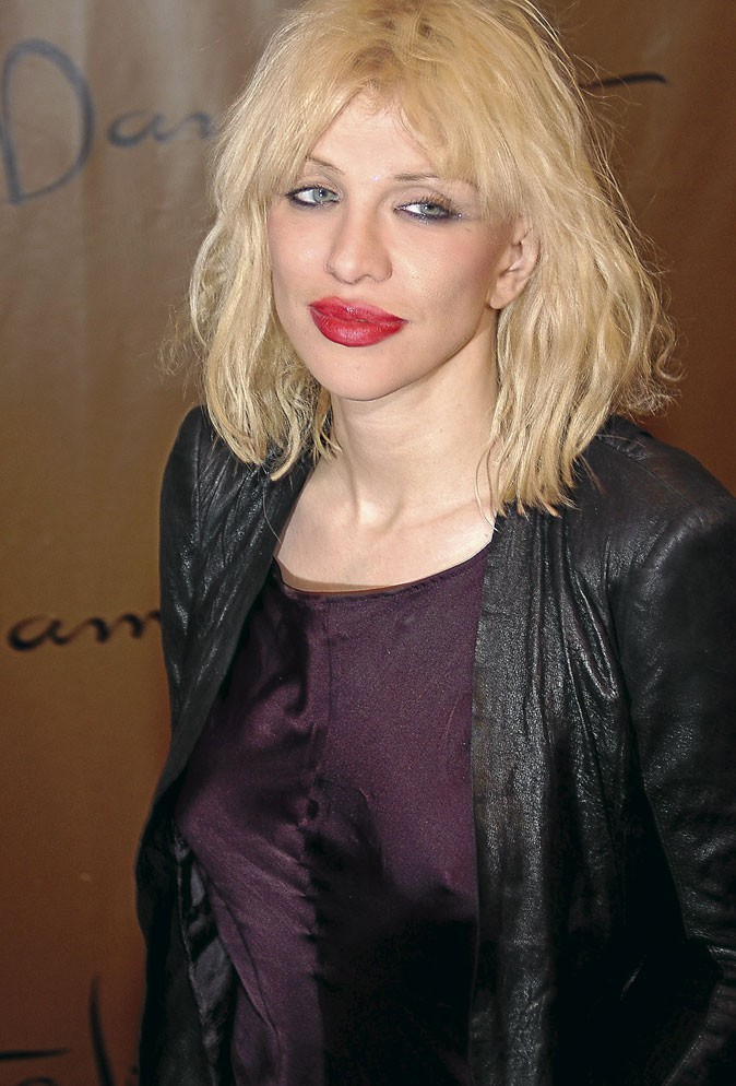 Courtney Love : cheveux naturels...