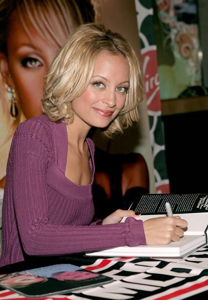 Le carré ondulé de Nicole Richie en Novembre 2005 !