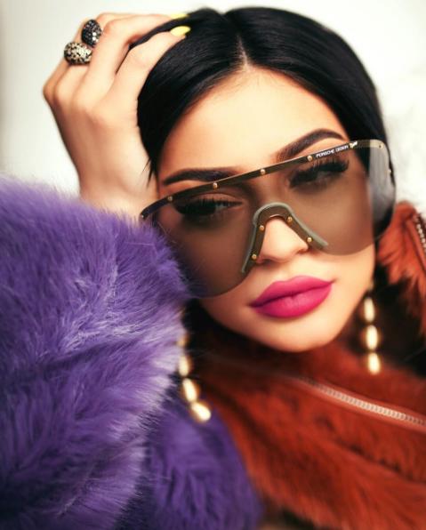 Eyebrow stamp : le nouvel accessoire pour des sourcils  parfaitement dessinés