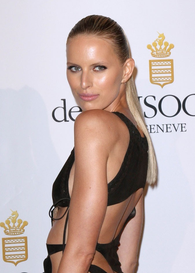 Coiffure de star au Festival de Cannes 2011 : la queue de cheval wet look d'Anna Kournikova