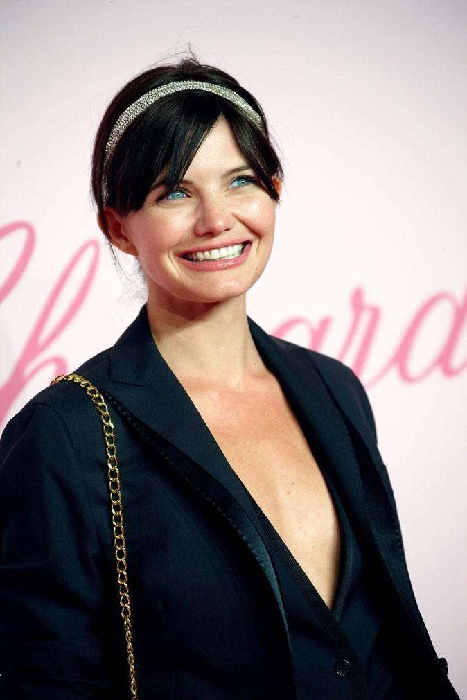 Coiffure de star au Festival de Cannes 2011 : le bijou de tête Libertie is my religion de Delphine Chanéac