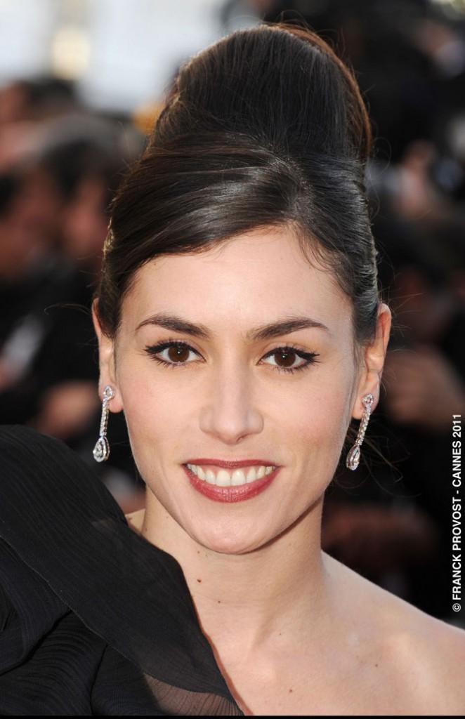 Coiffure de star au Festival de Cannes 2011 : le chignon coque d'Olivia Ruiz