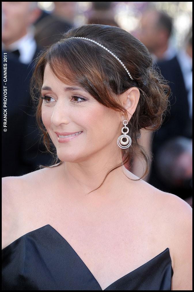 Coiffure de star au Festival de Cannes 2011 : le headband de Daniella Lombroso