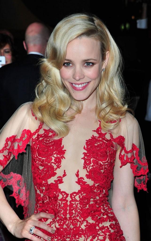 Coiffure de star au Festival de Cannes 2011 : les cheveux bouclés tendance rétro de Rachel McAdams