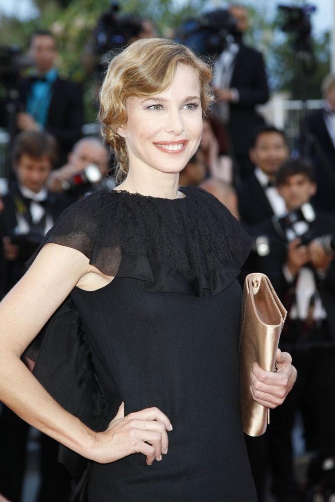 Coiffure de star au Festival de Cannes 2011 : les cheveux crantés de Pascale Arbillot