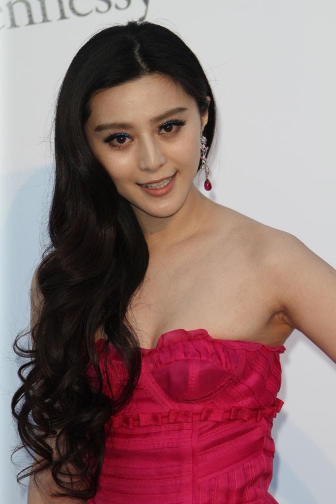 Coiffure de star au Festival de Cannes 2011 : les cheveux sur le côté de Fan Bing Bing
