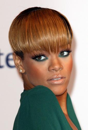 Rihanna et sa coupe courte