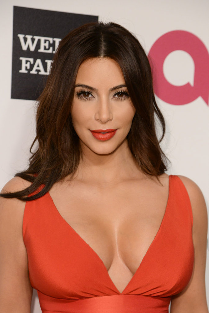 Joyeux Anniversaire Kim Kardashian : 36 ans en 36 mises en beauté époustouflantes !