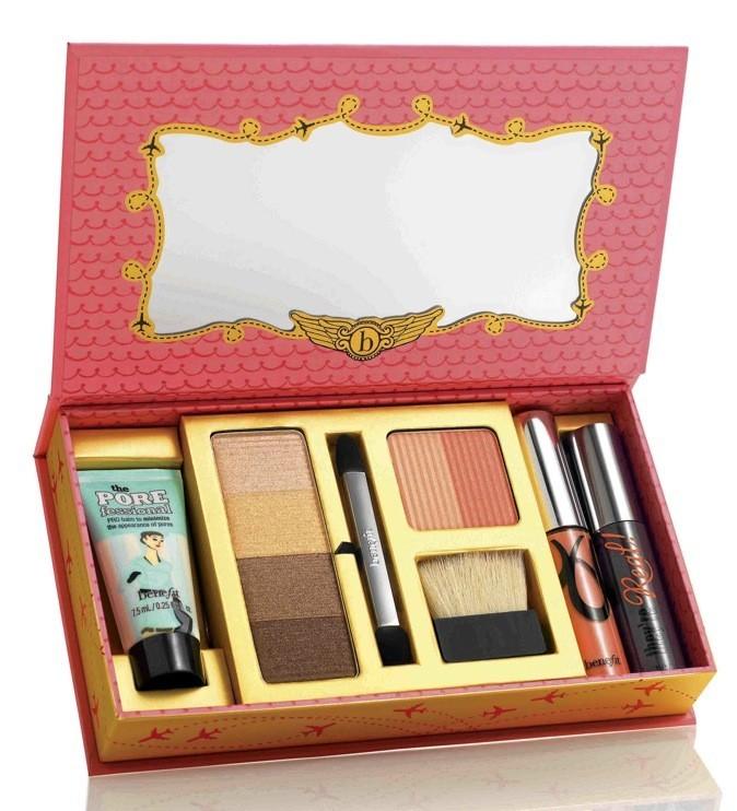 Coffret de maquillage, She's so… Jetset, Benefit, en exclu chez Sephora 37 €