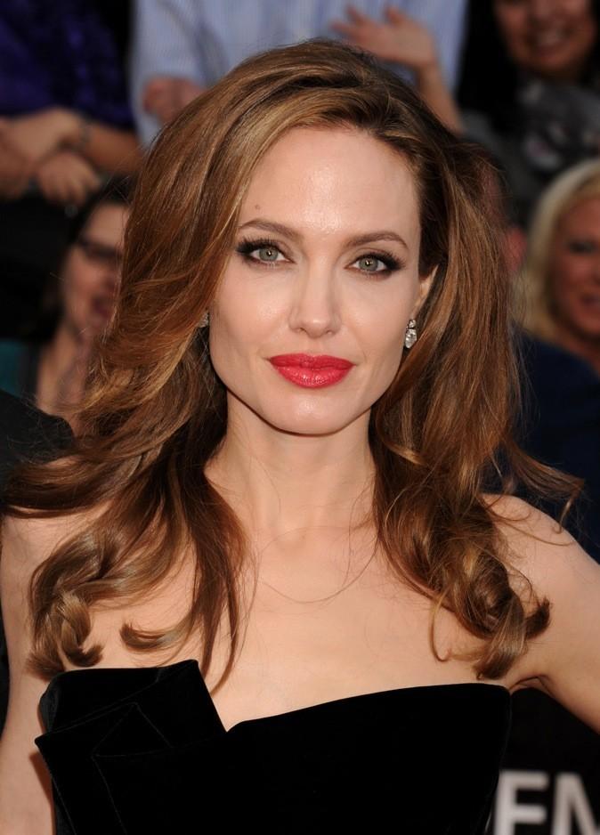 Celui d'Angelina Jolie se fait discret au dessus de son sourcil droit !