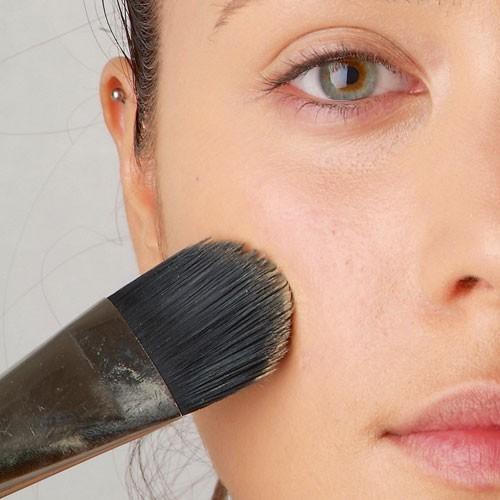 Mode d'emploi du smoky eye : le teint