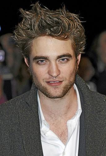 Secrets beauté des hommes : la barbe de trois jours de Robert Pattinson