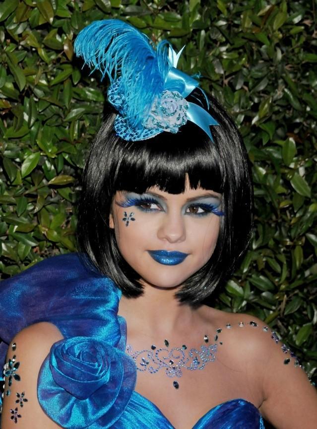 Selena Gomez après avoir avalé un schtroumpf !