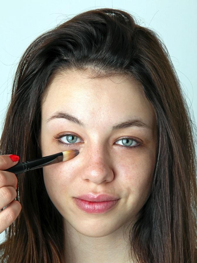 Le petit monde de Coukalight: * Un maquillage marron et vert *